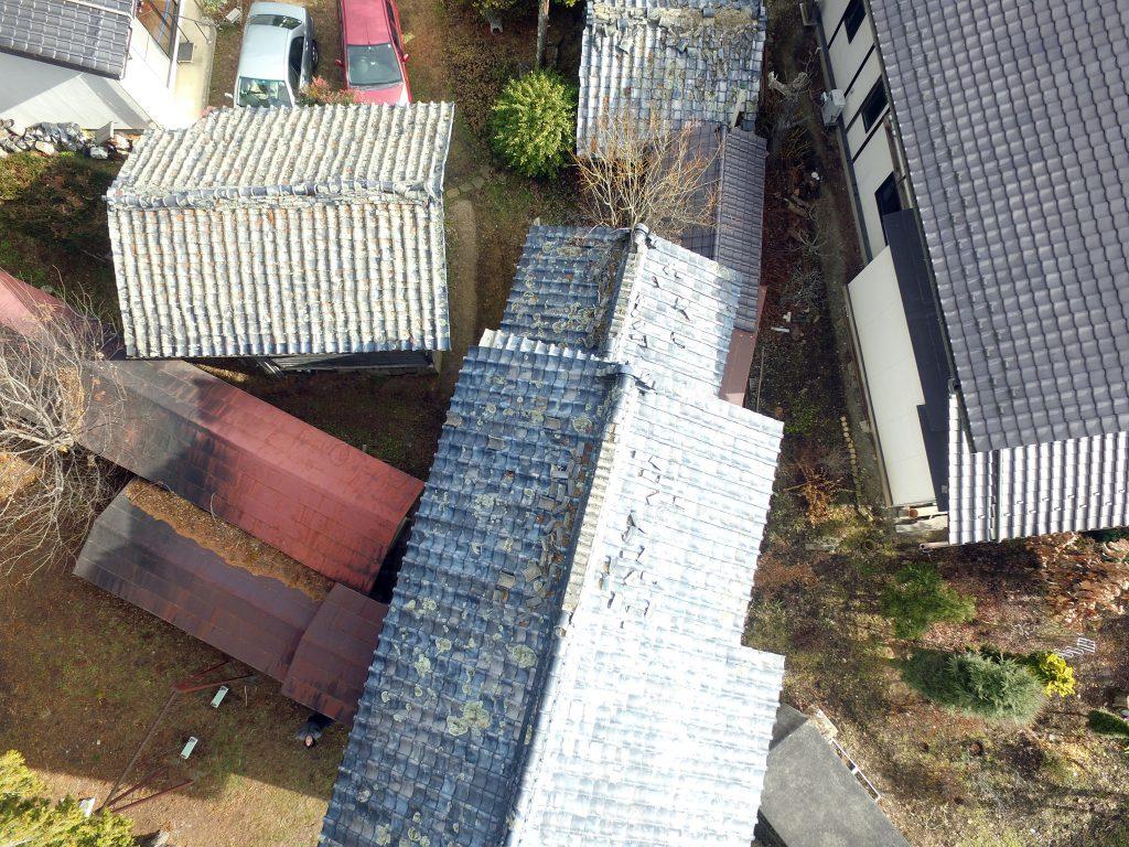老朽化した屋根